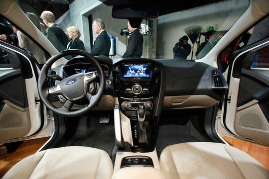 El interior de un Ford Focus eléctrico, con la interfaz MyFord Touch. Foto: AP