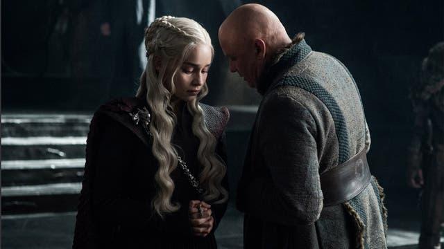 Daenerys y Lord Varys algo planean