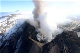 SIgue la alerta por el volcán, pero baja su intensidad