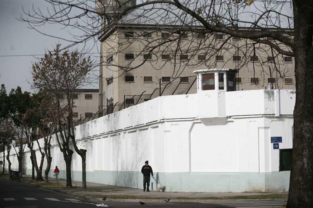Anuncian cierre de la única cárcel de Buenos Aires