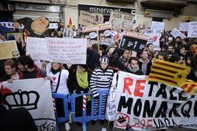 La popularidad de la monarquía española cayó tras el escándalo