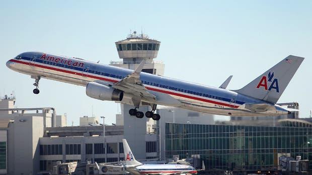 7 pasajeros decidieron bajarse del avión cuando se enteraron de que las pilotos eran mujeres