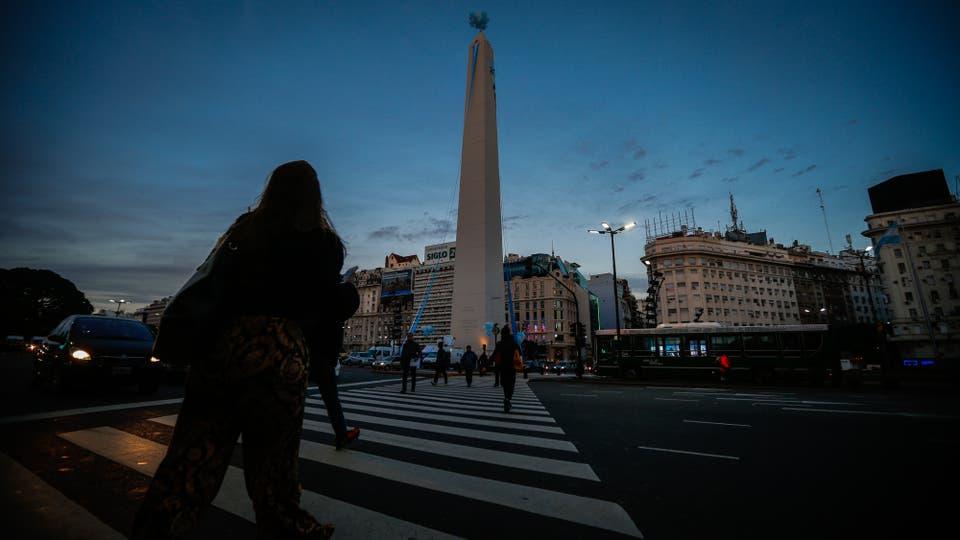 La subida al Obelisco por su 81 aniversario. Foto: LA NACION / Emiliano Lasalvia