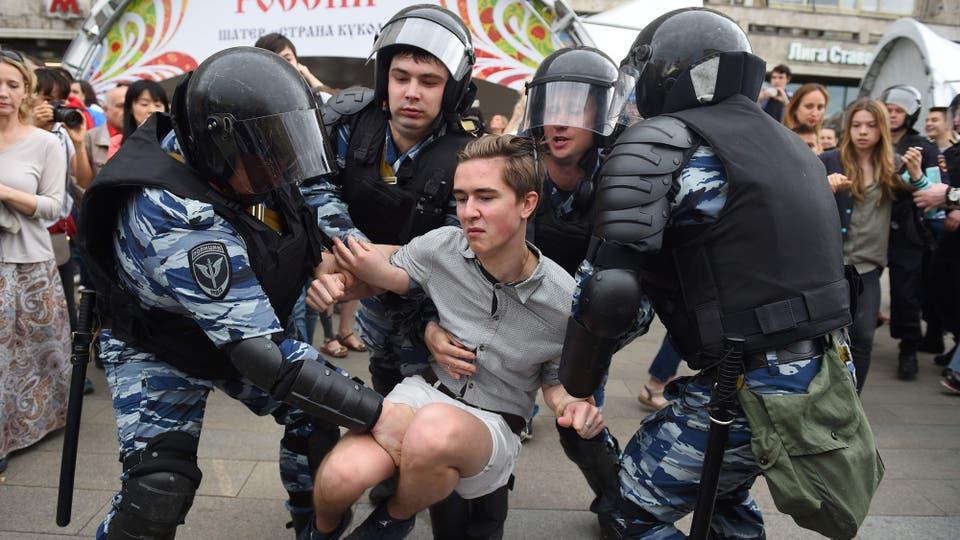 En muchas se escucharon denuncias contra Putin y contra Dimitri Medvedev, acusado de una oscura trama financiera. Foto: AFP