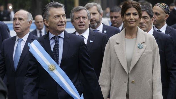 Mauricio Macri caminó desde la Casa Rosada hasta la Catedral Metropolitana para participar del tedeum