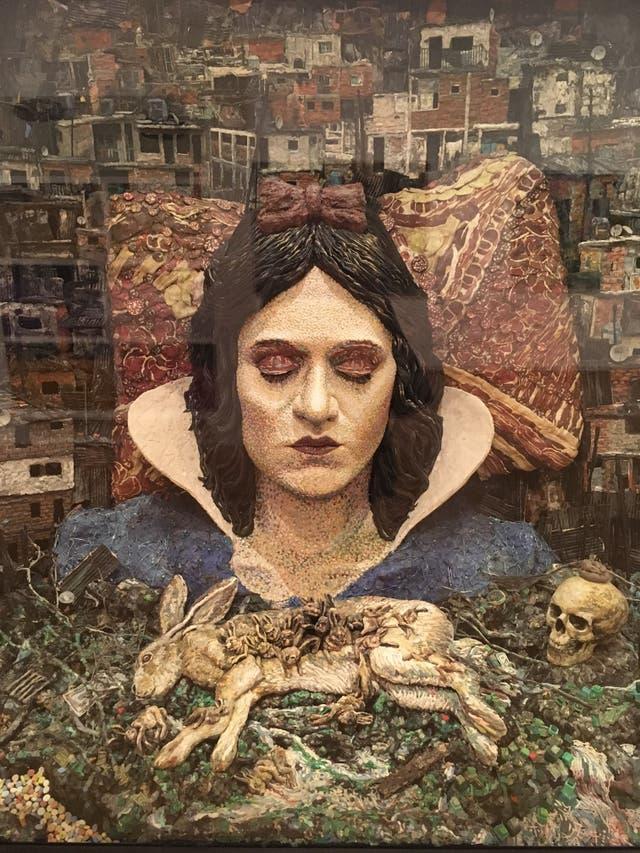 Me conformaría con poder dormir plastilina, instalación de Mondongo, 2009-2013 (detalle)