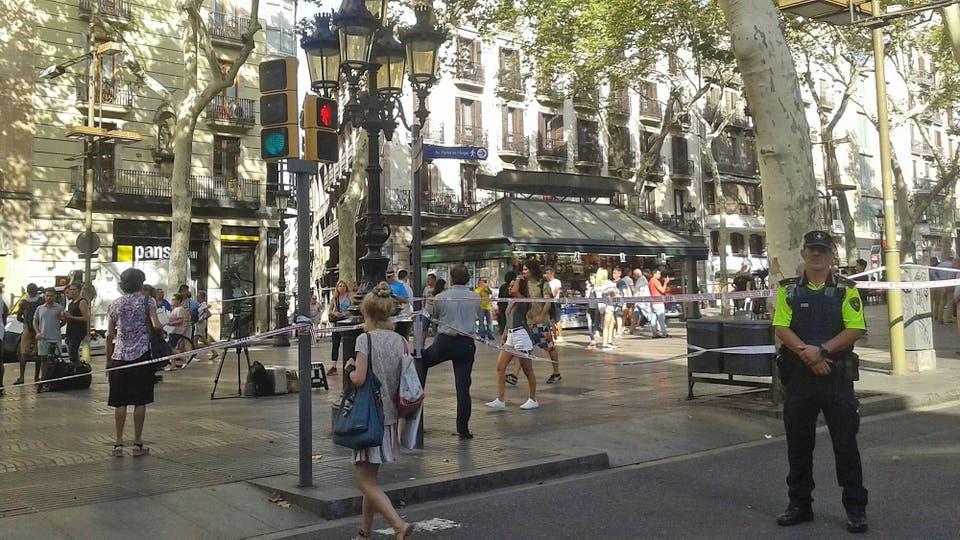 Presidente de la Generalitat de Cataluña confirma 13 muertos en Barcelona