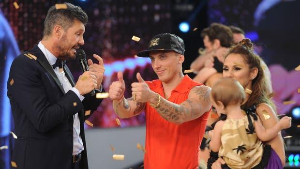 El Polaco, reclamado por sus fans como rey del Bailando