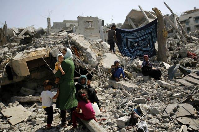 Miles de familias no tienen donde vivir en Gaza, luego de los bombardeos isralíes