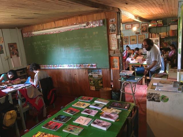 Martín Cornell dando clases a sus alumnos de 5º, 6º y 7º