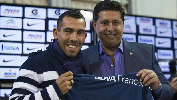 Angelici analizó un posible regreso de Tevez