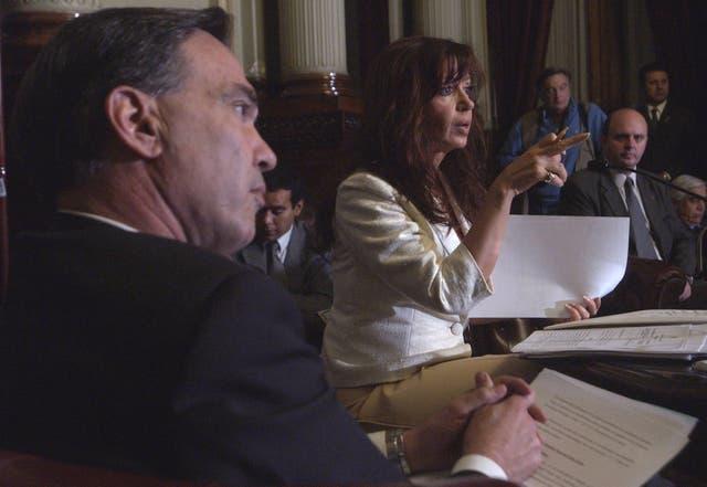 Cristina Kirchner junto a Miguel Ángel Pichetto en abril de 2005 cuando aún eran compa?eros de banca