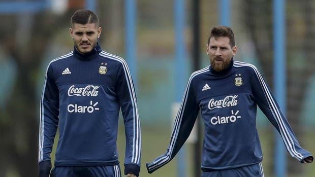 Icardi y Messi, en el ataque argentino en el Monumental