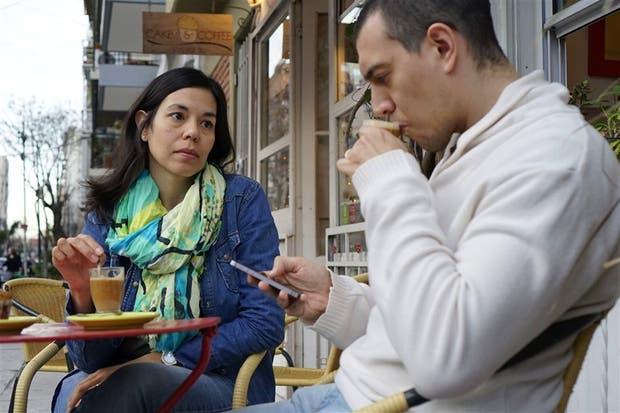 Fernanda Schnorr, Luciano Volpe y el tercero en discordia: el teléfono celular