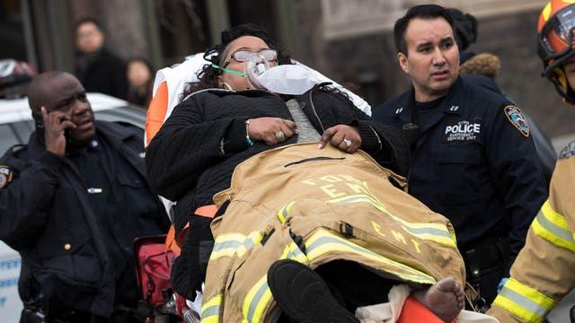 Asistencia a los heridos en el accidente