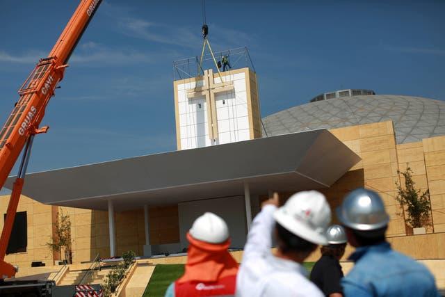 Los preparativos para la visita del Papa