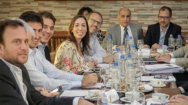 Vidal, junto a su gabinete, ayer en Tres de Febrero
