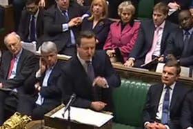 David Cameron apuntó contra un opositor por haber deseado que Gran Bretaña perdiera la guerra de Malvinas