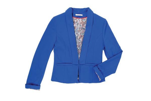 Cortito en azul klein (Yagmour, $540)..
