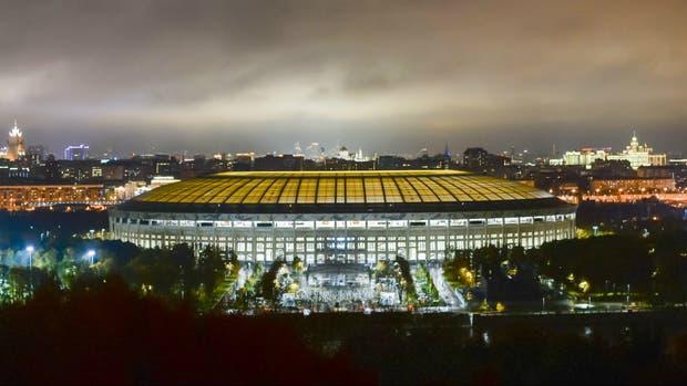 Una vista exterior del inmenso Luzhniki, en el Complejo Olímpico de Moscú
