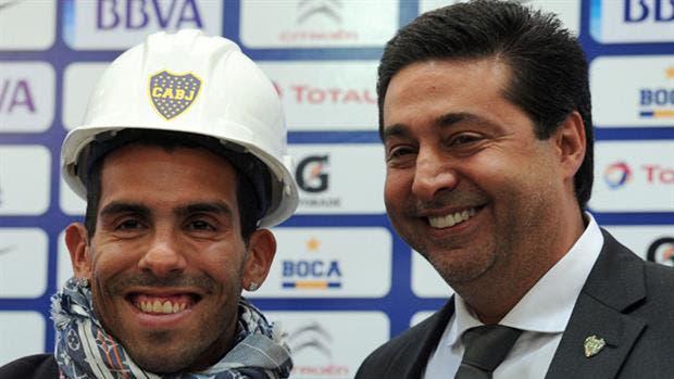 Tevez, Angelici y unas sonrisas que, según el dirigente, pueden repetirse pronto