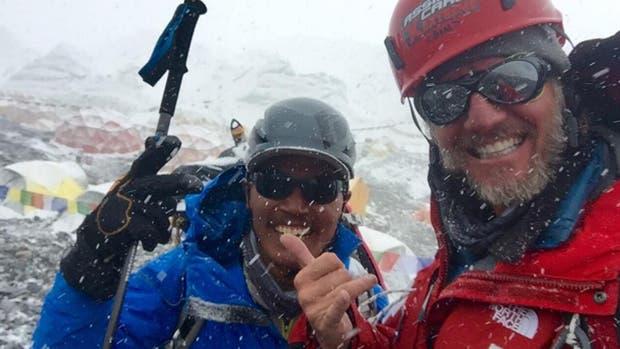 Facundo Arana lo hizo: esta vez, consiguió hacer cumbre en el Everest