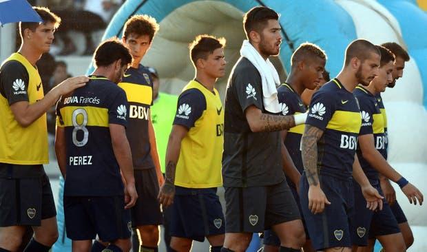 Rostros cabizbajos y preocupación; el equipo de la Ribera sumó dos puntos de los últimos seis y rompió una racha de 19 partidos marcando al menos un gol