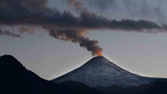Momento cumbre: el Villarrica, humeante y activo