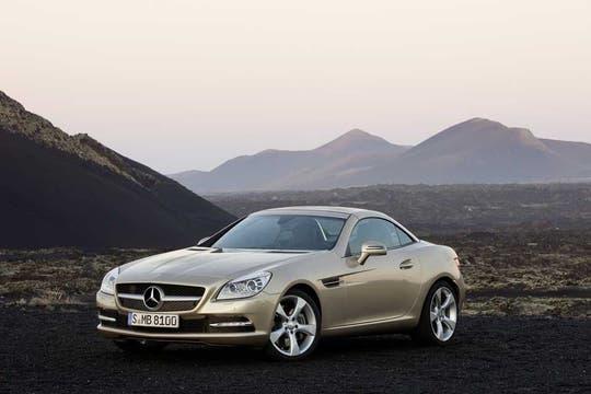 El bellísimo Mercedes-Benz SLK, último modelo.