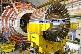 """El colisionador de hadrones donde la ciencia busca la """"partícula de Dios"""""""