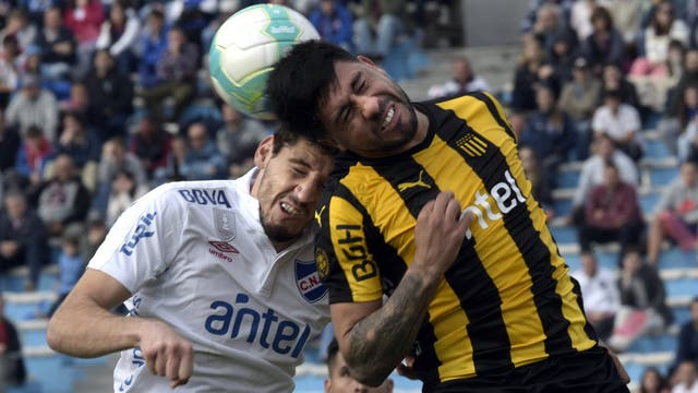Nacional vs Pe?arol (Uruguay)