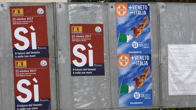 Propaganda que pide votar por el Sí en el referéndum del domingo