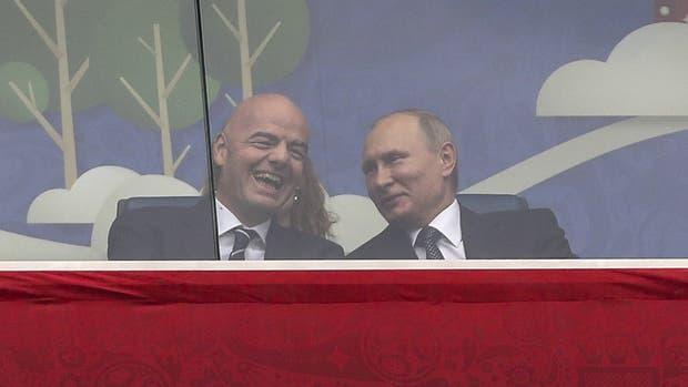 Infantino, con Putin