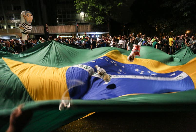 Los brasileños salieron a la calle a protestar por la designación de Lula da Silva como jefe de Gabinete. Foto: EFE