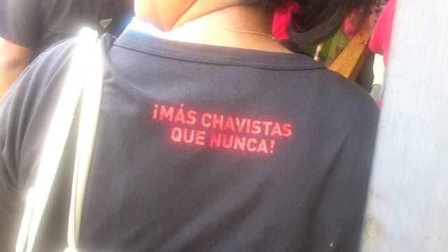 Disturbios y saqueos agitan estado natal de Chávez en Venezuela, tres muertos