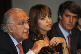 Gil Lavedra, Victoria Donda, y Prat-Gay, en la presentación del Frente Elecotral con miras a octubre