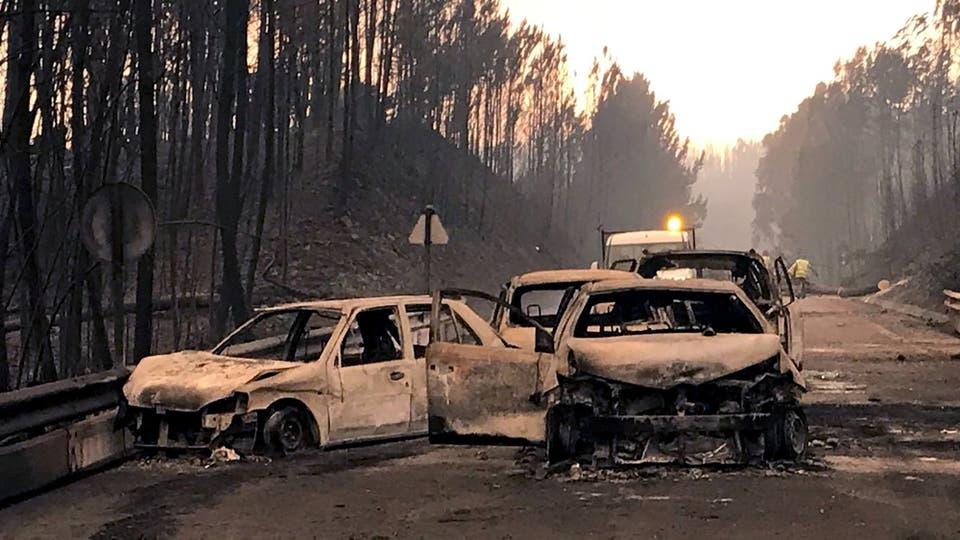 Incendio en Portugal: las llamas no ceden y las cenizas comienzan a cubrir todo. Foto: Reuters / Guillermo Martínez