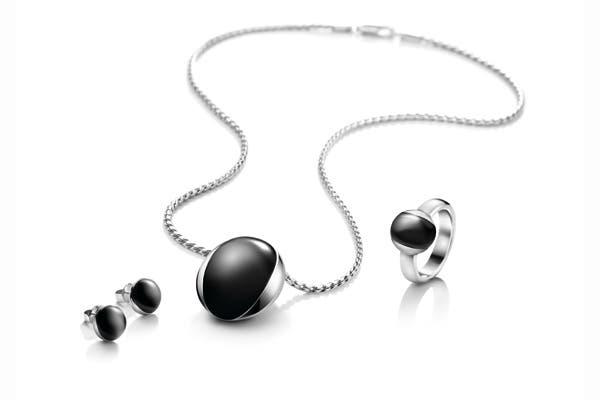 Negro y acero, otra combinación que marca tendencia. Foto: Gentileza CK