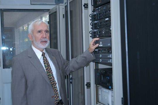 Javier Díaz, decano de la Facultad de Informática y director del Laboratorio de Investigación en Nuevas Tecnologías Informáticas de la UNLP. Foto: Gentileza Universidad Nacional de La Plata