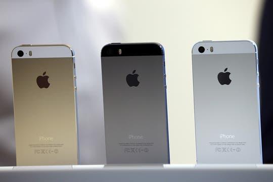 Los tres colores del nuevo iPhone 5S. Foto: AFP