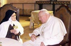 Sor Lucía, que vio a la Virgen en 1917, conversó con Juan Pablo II
