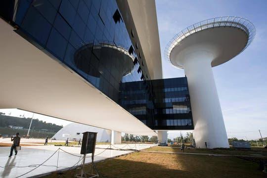 """Fotografía cedida de la Ciudad Administrativa Presidente Tancredo Neves, la última obra de """"Oscar Niemeyer. Foto: Archivo"""