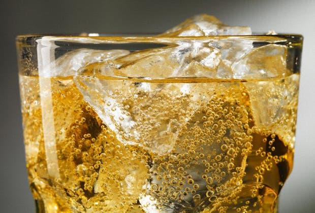 Aunque siempre se la relaciona con las fiestas, la sidra es una bebida para beber todo el año por su baja graduación alcohólica y porque es muy refrescante en verano.