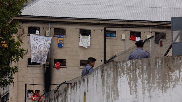 El Gobierno culpó al kirchnerismo — Protestas en Devoto