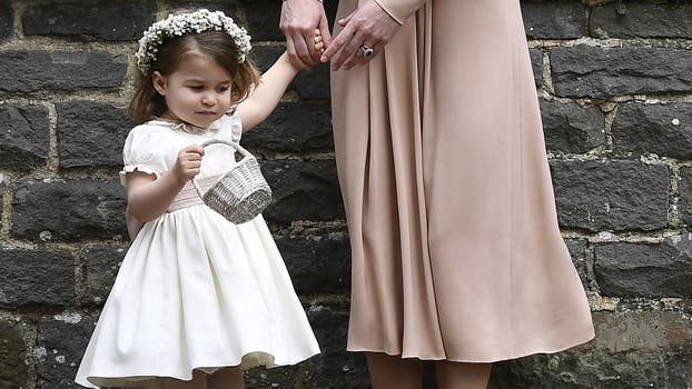 Carlota, adorable como dama de honor de su tía Pippa . Foto: AP / Justin Tallis