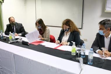 Capacitación a agentes federales para el abordaje de jóvenes y adolescentes con consumos problemáticos de drogas en la villa 1-11-14