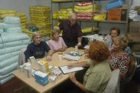 Entrega de medicamentos en la Fundación Tzedaká