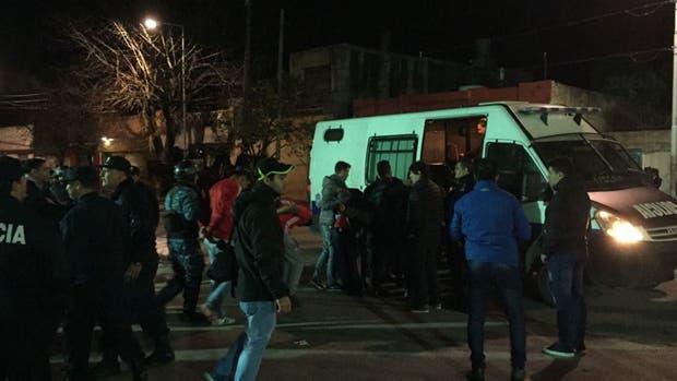 """""""Toda la barra de Independiente presa"""" tras un enfrentamiento con la policía"""