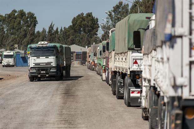 Se levantó la medida de fuerza que podía afectar el traslado de granos a los puertos