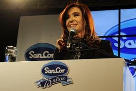 Cristina, ayer, durante un acto en la empresa de productos lácteos SanCor